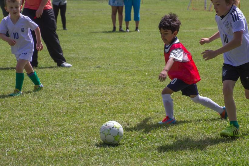 play football 2
