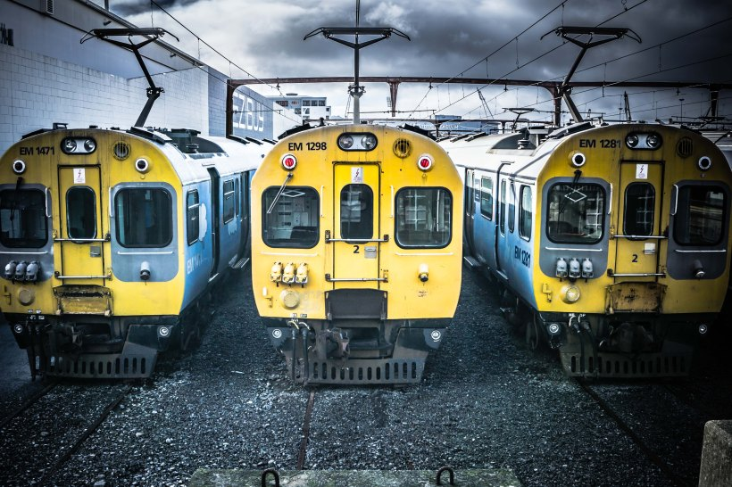 3 trains 2